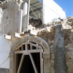 Arch-of-the-17th-century-resisted;-the-modern-above-crumbled