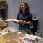 Gloria-sells-sweets-for-the-Santa-Maria-district