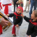 Sant'Antoniari-little-ones-try-the-drums