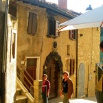Castelluccio-backstreet,-end-of-the-day