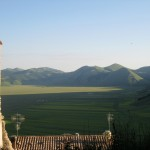 Evening-view-of-il-Piano-Grande-from-Castelluccio