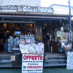 Lentils-for-sale-in-Castelluccio