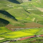 Looking-down-from-Castelluccio