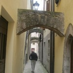 A walk through medieval alleyways of S. Anatolia di Narco